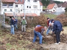 01. April 2006 - Arbeitseinsatz: Pflaster an der alten Schule aufnehmen